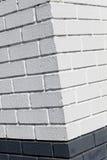 Esquina blanca de la pared de ladrillo Imagen de archivo libre de regalías
