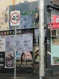 Esquina da rua urbana Imagens de Stock