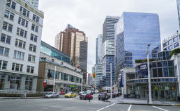Esquina de calle en Vancouver - VANCOUVER - CANADÁ céntricos - 12 de abril de 2017 Imagenes de archivo