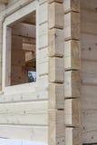 Esquina de la casa de madera imágenes de archivo libres de regalías