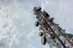 Esquina de la diagonal de la torre de comunicaciones Fotos de archivo libres de regalías