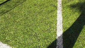 Esquina de un campo de entrenamiento interior del fútbol del fútbol almacen de metraje de vídeo