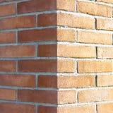Esquina de una nueva pared de ladrillo Fotografía de archivo libre de regalías