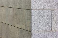 Esquina de una pared con las tejas del granito Fotografía de archivo libre de regalías