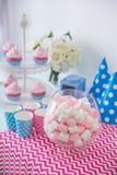 Esquina del dulce del feliz cumpleaños Imagenes de archivo