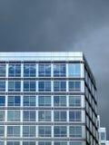 Esquina del edificio de oficinas Foto de archivo