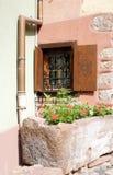 Esquina romántica de dos casas fotos de archivo