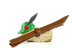 Esquis e chapéu de Alpini Fotos de Stock Royalty Free