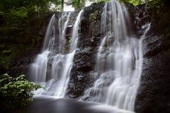 Ess Na Crub in Glenariff-Staatsangehörigem Forest Park lizenzfreie stockbilder