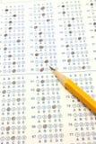Essai bleu de bulle de Scantron avec le crayon du numéro deux Photo libre de droits