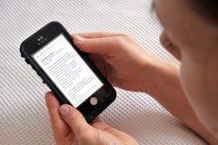 Essai d'alerte de téléphone portable de secours du Nouvelle-Zélande images stock