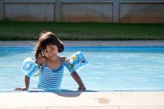 Essai de la température de l'eau Photo libre de droits