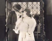 Essai de voler un baiser Photographie stock libre de droits