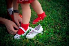 Essai sur des chaussures Image libre de droits