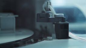 Essais dans le laboratoire médical moderne IV banque de vidéos