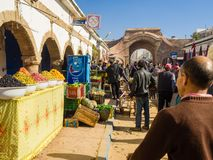 Essaouira, Marokko - November 2, 2018: In de straten van Medina stock foto