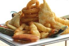Essbare Meerestiere und Chips Lizenzfreies Stockbild