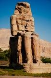 Esse de dois colossos do complexo do protetor do suporte de Memnon em Luxor de Egito imagens de stock royalty free