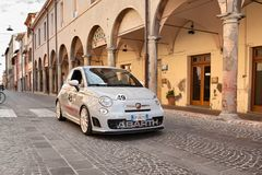 Esseesse italiano de Fiat 500 Abarth del coche de deportes Imagen de archivo