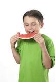 Essen der saftigen Wassermelone Lizenzfreie Stockfotos