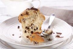 Essen des Muffins stockbilder