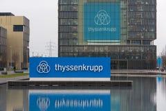 Essen, Renania settentrionale-Vestfalia/Germania - 22 11 18: sedi più quartier del ThyssenKrupp a Essen Germania fotografia stock libera da diritti