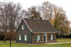 Essen, Rin-Westfalia del norte/Alemania - 22 11 18: stammhouse de thyssenkrupp en Essen Alemania fotos de archivo