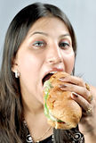 Essen von Footlong stockbilder