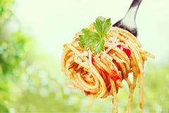 Essen von Teigwaren lizenzfreies stockfoto