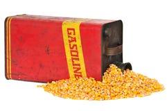Essence de conteneur d'essence ou éthanol métallique de maïs photo libre de droits