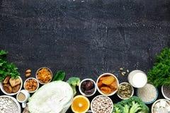 Essenkopienraum des gesunden Lebensmittels der Draufsicht der Kalziumvegetarier sauberer lizenzfreies stockbild