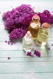 Essentiële aromaolie stock foto's