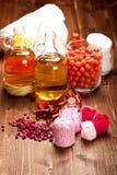 Essentiële oliën en badzout Stock Afbeelding