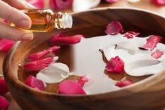 Essentiële olie voor aromatherapy stock afbeelding