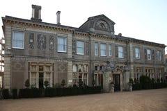 ESSEX, REINO UNIDO - 16 DE ABRIL DE 2014: Abajo la casa de campo de Pasillo, la mansión histórica y la posesión monástica dataron Foto de archivo