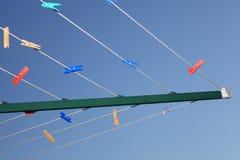 Essiccatore di vestiti rotatorio con i pioli Immagine Stock Libera da Diritti