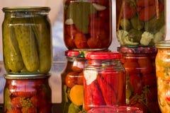 In Essig eingelegtes Gemüse selbst gemacht lizenzfreie stockfotos