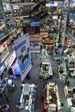 ESSO e centro commerciale di elettronica a Bangkok Immagini Stock