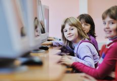Esso formazione con i bambini a scuola Immagine Stock Libera da Diritti