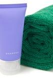 Essuie-main et shampooing Photos stock