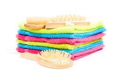Essuie-main multicolores avec des objets de station thermale Photo libre de droits