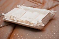 Essuie-main roulé blanc Image libre de droits