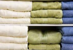 Essuie-main verts et bleus blancs Images libres de droits