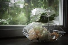 Está chovendo na noite de baile de finalistas - corpetes Foto de Stock