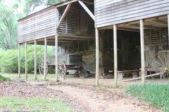Estábulo do país de origem na área rural Fotografia de Stock