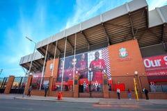 Estádio de Anfield, a terra home do clube do futebol de Liverpool no Reino Unido Imagens de Stock Royalty Free
