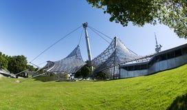 Estádio olímpico München - parque e torre da Olympia Fotografia de Stock Royalty Free