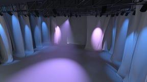 Estágio vazio com luzes Imagens de Stock Royalty Free