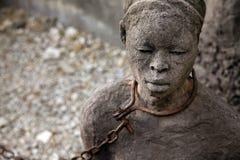 Estátua africana do tráfico de escravos fotografia de stock royalty free