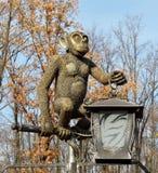 Estátua animal de bronze do macaco Imagem de Stock